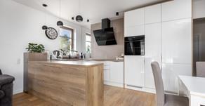 Sesja fotograficzna mebli kuchennych w dwóch lokalach zrealizowana dla Manufaktura-MK.