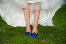 Zapatos azules de la boda