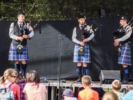 Blue Squadron Pipe Band a jejich skotské dudy