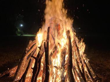 Komu byla v kotli zima, mohl se ohřát u ohně :)