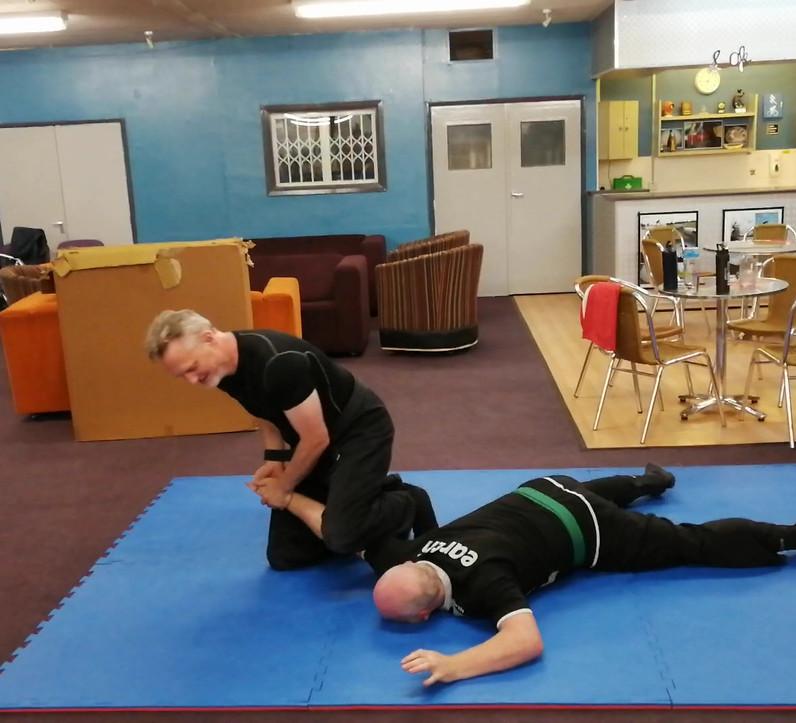 Kneeling techniques 2.mp4