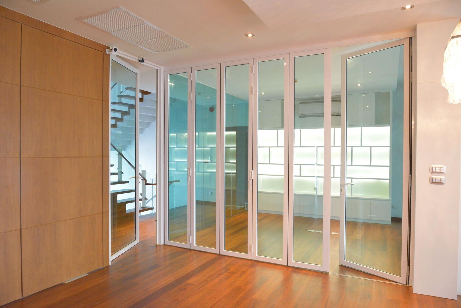 Grand Folding Door
