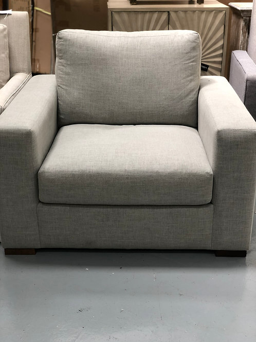Wide Track Chair