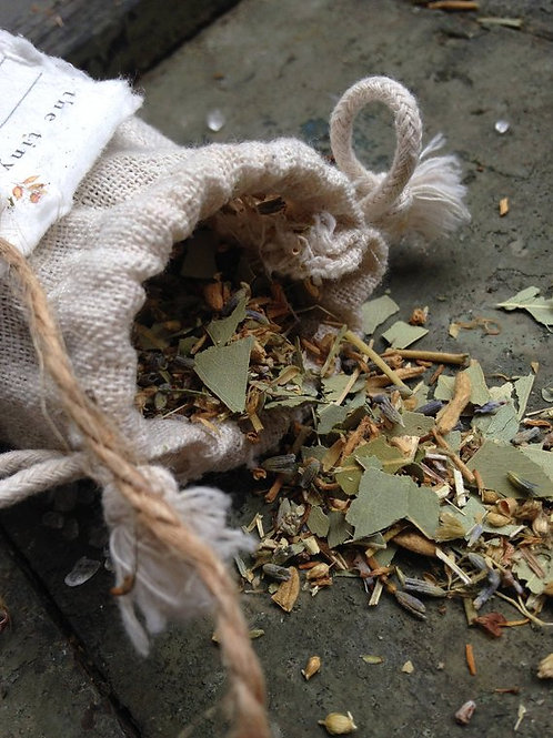 Witchcraft supplies online, witchcraft supplies near me, beginner witch supplies, metaphysical shops near me, wiccan altar