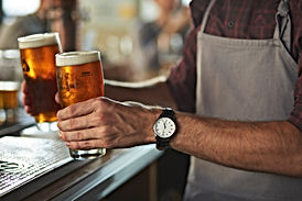 Barista con birra