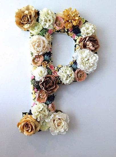 Yapay Çiçekli Harf