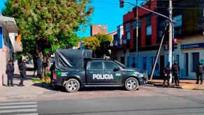Tras horas de tensión, la policía mató al secuestrador y encontró muerto al rehén en Caseros