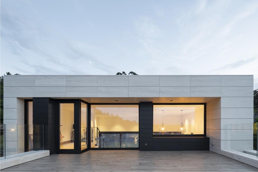 Vivenda com janelas Premium-84