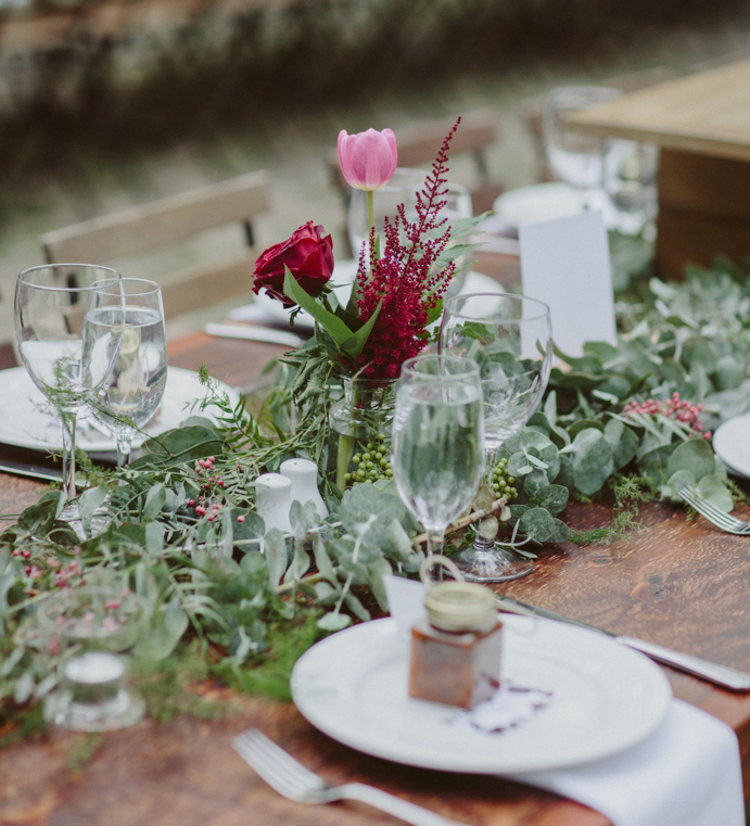 feasting table reception
