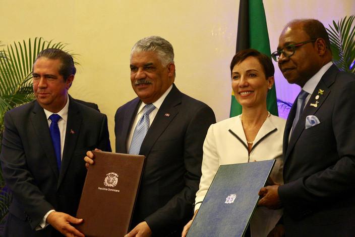 República Dominicana y Jamaica firman Acuerdo de Cooperación de Turismo Multi-destino