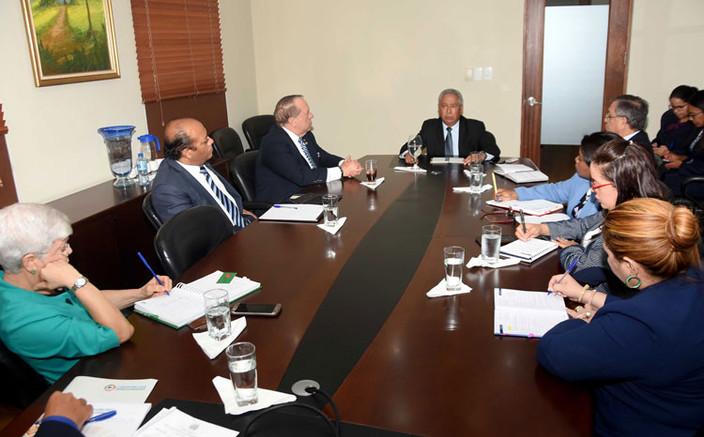 Ministro de Economía y presidente de la Cámara de Cuentas coordinan acciones para una auditoría a OD