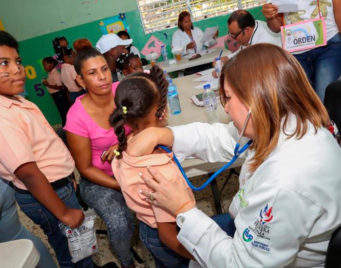 Más de 3 mil personas del municipio Guerra reciben atenciones médicas del Despacho Primera Dama