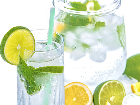 Fruitwater als gezonde dorstlesser