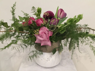 Table arrangment roses and tulips.jpg
