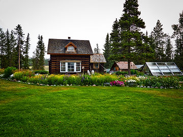 Chilcotin Sunrise Chalet Bed & Breakfast
