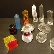 récupération en verre nu de flacons laqués ou décorés