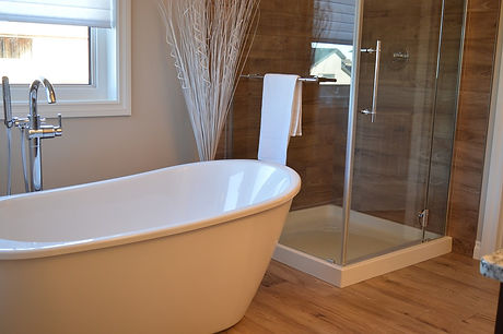 rolltop bath with glass shower.jpg