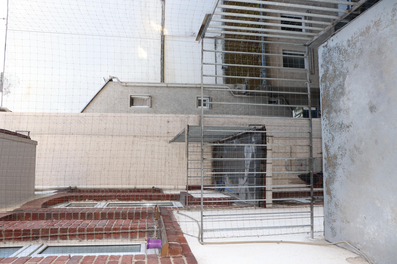 Balkon 1 + 2 mit Netzen