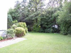Aussen Garten Blick von Garage