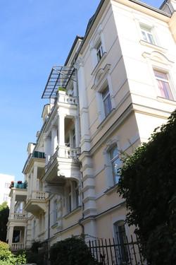 SR Real Estate | Hausrückseite