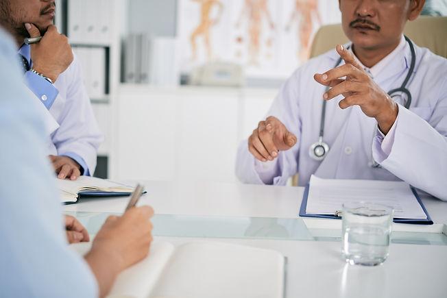 meeting-of-doctors-4ST5JSZ.jpg
