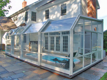 Breaking Down Retractable & Fixed Sunrooms