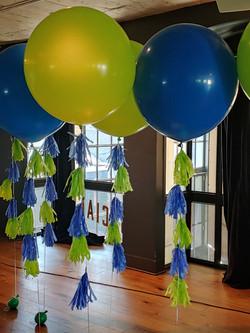 Jumbo Balloon W/Tassel Tail