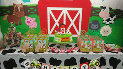 Farm Animals Sweets Table