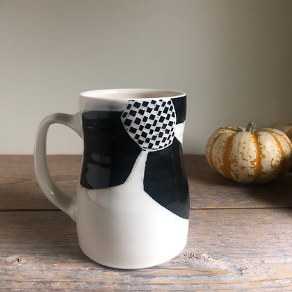large black flower mug 01