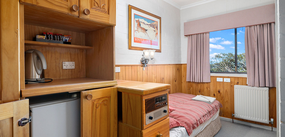001_Open2view_ID632107-Room_14_pension.j