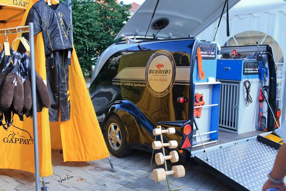 Carreta alemã de transporte de cães