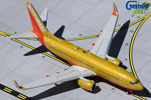 """Southwest Airlines / B737-700 / N714CB / """"Classic Retro Livery"""" / 1:400"""