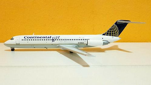 Continental Lite McDonnell Douglas DC9-31 / N18563 / RMDC9001 / 1:200