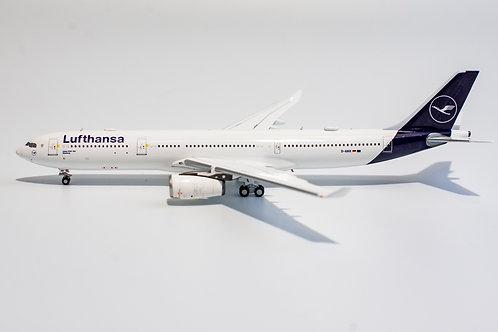 Lufthansa A330-300 / D-AIKR  / 62022 / 1:400