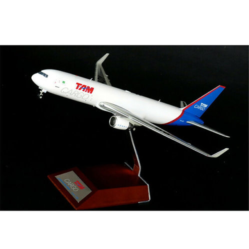 Tam Cargo Boeing 767-300F / PR-ADY / JC2TAM718 / 1:200