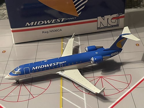 Midwest Connect / Comair Airlines Bombardier CRJ200 N506CA 52041 / 1:200