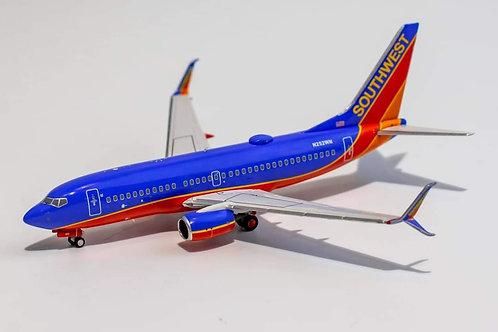 Southwest Airlines  Boeing B 737-700 /  N252WN / 77002  / 1:400