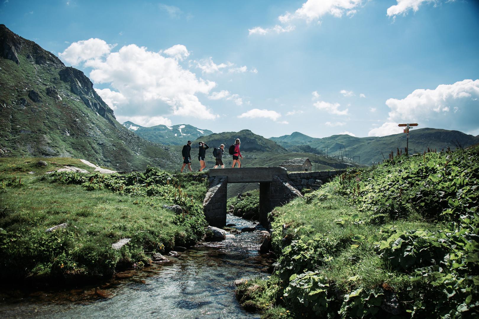41 Gotthard Pass .jpg