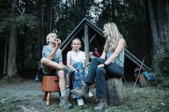 24 Lenk Fondue in the forest.jpg