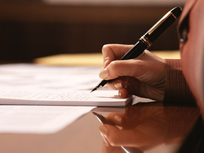 在留資格(永住・就労・経営管理・結婚・離婚・定住・家族・子供)在留特別許可他(出頭・不法滞在・仮放免・早期上陸許可等)帰化許可(国籍取得、認知、国籍法三条)入管・帰化手続専門の行政書士です。