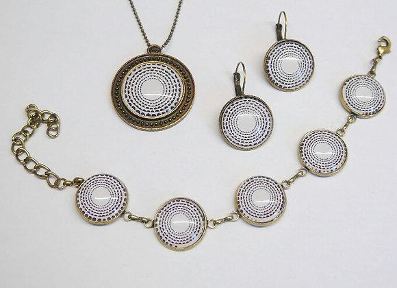 Parure collier, bracelet, boucle d'oreille noir et blanc, métal couleur bronze