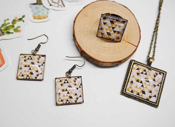 Parure collier, bague et boucle motif geometrique beige rosé et noire
