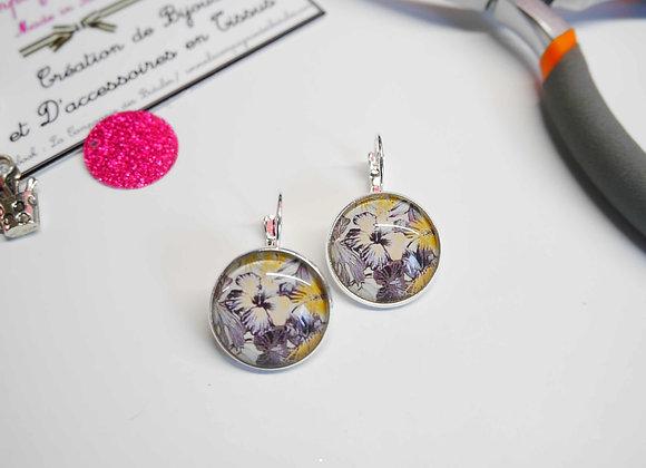 bijoux cabochon, boucle d'oreille, la compagnie des bidules, st calais, bijoux tendance, mode hibiscuse gris et jaune