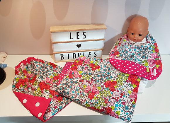 Ensemble bébé couverture,bavoir et serviette élastiquée motif fleuri