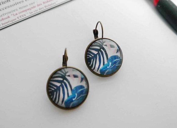 la compagnie des bidules boucles d'oreille cabochon sarthe feuille bleue bronze