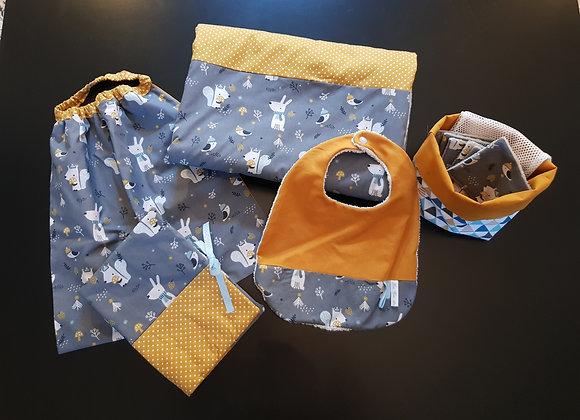 Ensemble bébé couverture,bavoir,serviette,lingettes,protège carnet sant