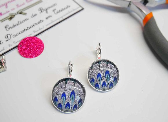 bijoux cabochon, boucle d'oreille, la compagnie des bidules, st calais, bijoux tendance, mode, plume bleue