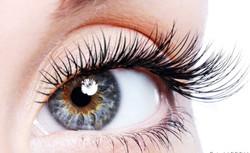 lashes eye_edited.jpg