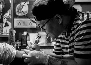 Hepatitis C, tatuajes y normas de bioseguridad