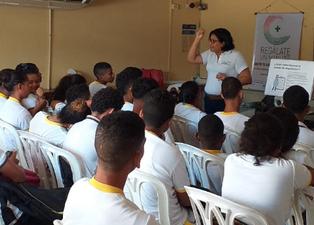 La comunidad educativa se informa sobre la hepatitis C